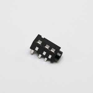 TRRS connector (TH)